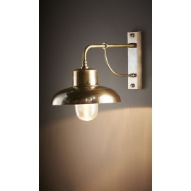 MANNY OUTDOOR WALL LAMP BRASS